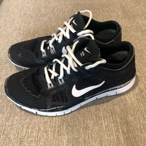 Women's Nike shoes 6 1/2